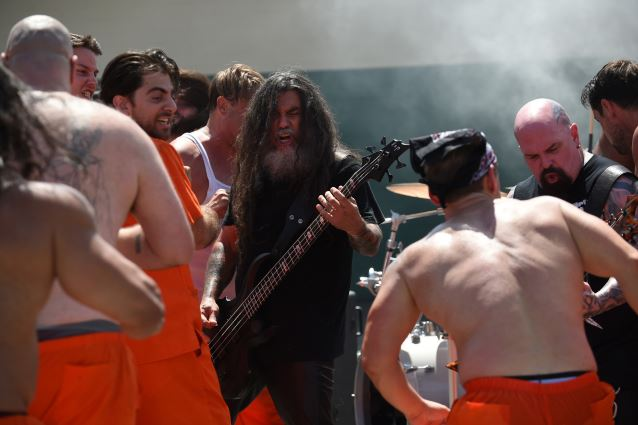 Prison riot breaks out during Slayer's performance LEFT TO RIGHT/Band:  Tom Araya, Kerry King